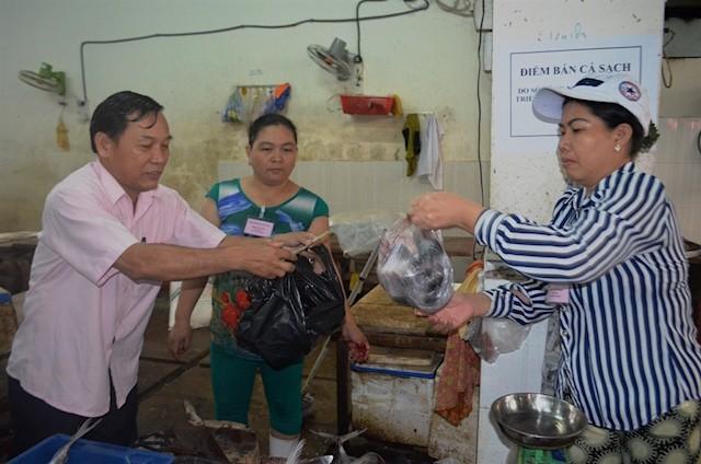 Đà Nẵng: Chính thức đưa cá sạch ra các chợ bán cho dân