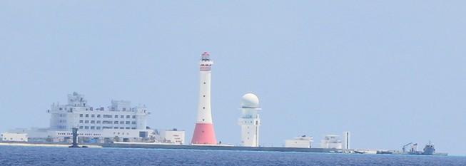 Cận cảnh công trình trái phép của Trung Quốc ở Gạc Ma và Huy Gơ