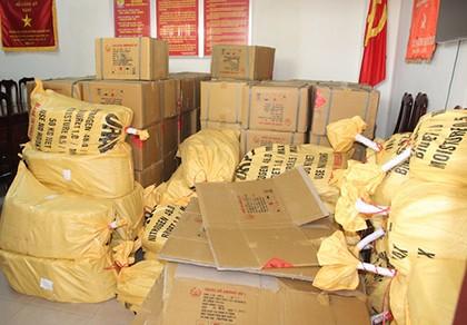 Bắt một người tàng trữ cả trăm ký thuốc nổ cực mạnh