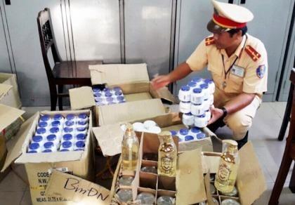 Bắt giữ lô mỹ phẩm lậu chuẩn bị tuồn vào Đà Nẵng