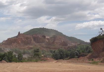 Đà Nẵng ra 'tối hậu thư' cho các chủ mỏ đất đá tái phạm
