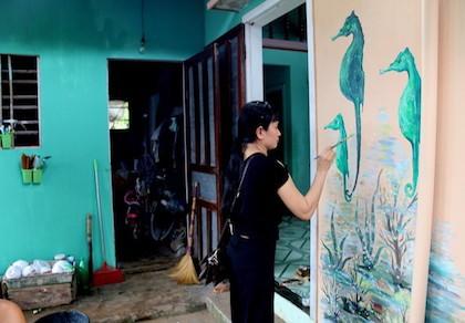 11 tỉ trang trí tranh gốm cho bờ biển Đà Nẵng