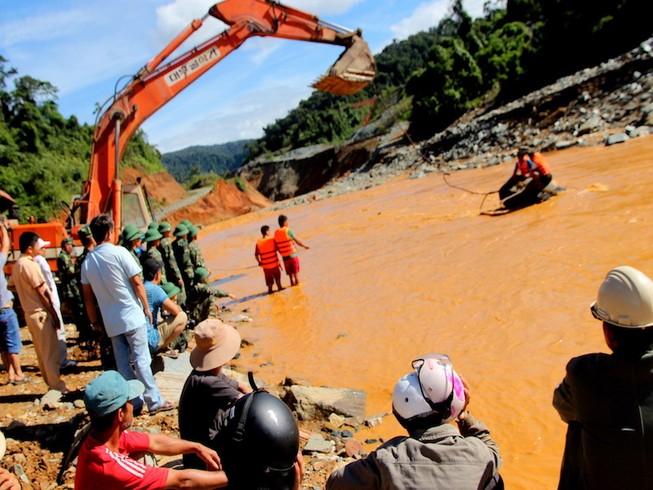 Thủy điện Sông Bung 2 bị vỡ, thiệt hại 5 tỉ đồng