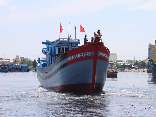 Đà Nẵng: Hạ thủy 2 tàu cá khủng ra Hoàng Sa