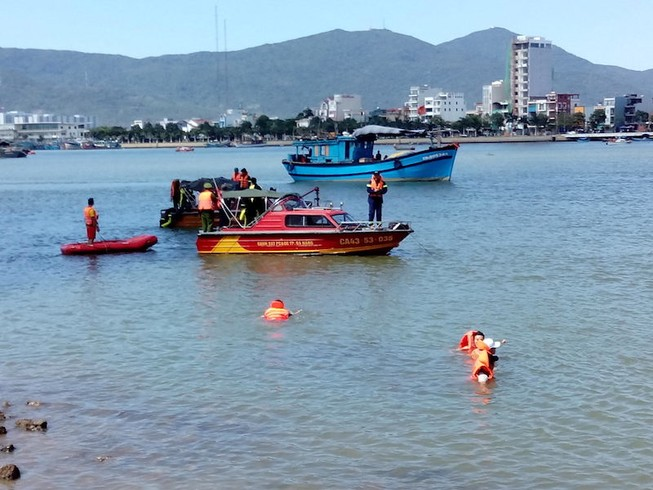 Thành lập đội đặc nhiệm cứu hộ sông và biển