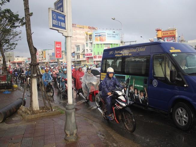 Hỗn loạn giao thông tại cửa ngõ phía Bắc Đà Nẵng