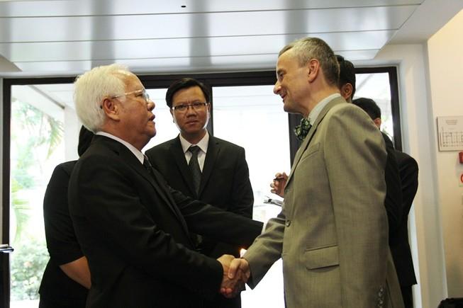 Chủ tịch UBND TP.HCM chia buồn cùng nước Pháp