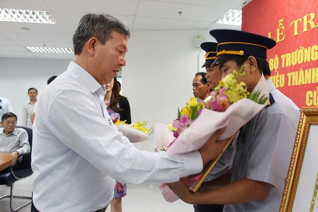 Bộ GTVT tặng bằng khen cho bốn người ngăn tai nạn vụ sập cầu Ghềnh