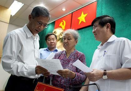 Chủ tịch Nguyễn Thành Phong: Giải quyết kiến nghị để bà con không phải ý kiến nữa