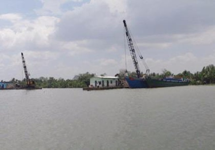 TP.HCM và Đồng Nai phối hợp truy quét việc khai thác cát lậu