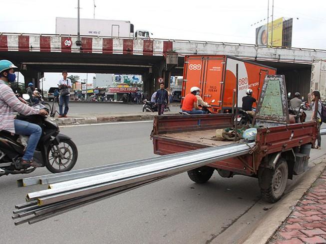 TP.HCM phạt hơn 1.300 xe thô sơ, 3 bánh