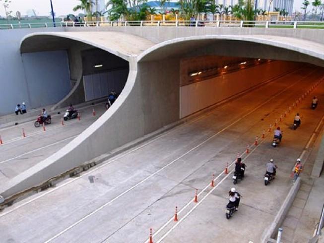 Cấm tất cả xe qua hầm sông Sài Gòn từ 20 giờ tối nay