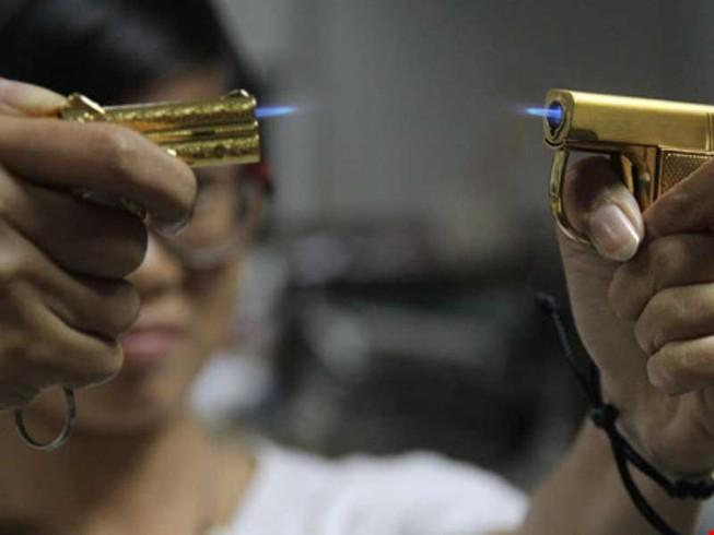 Công an vào cuộc xử lý việc mua bán hộp quẹt hình súng