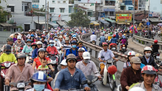 Cầu Nhị Thiên Đường 2: Kẹt xe sáng, trưa, chiều, tối