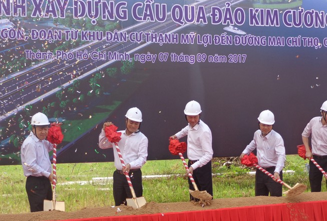 Bắt đầu xây cầu qua đảo Kim Cương