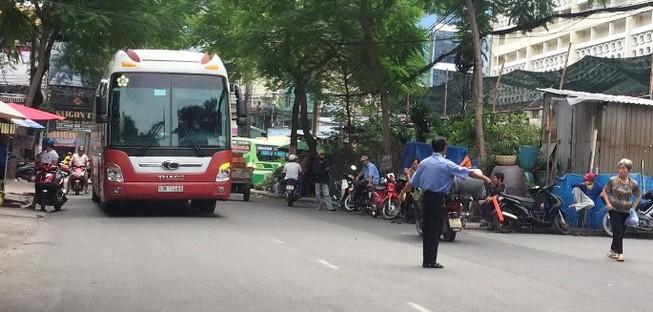 Xe Thành Bưởi bị 'cấm cửa' ở đường Lê Hồng Phong?