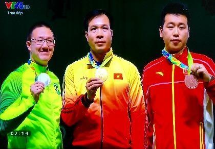 Nghẹt thở xem xạ thủ Hoàng Xuân Vinh đoạt HCV, phá kỷ lục Olympic