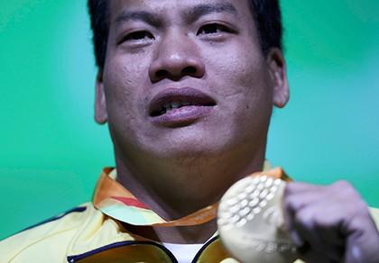 Lê Văn Công đoạt HCV, phá kỷ lục Paralympic và thế giới như thế nào?