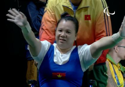 Vượt qua đối thủ Trung Quốc, Linh Phượng đoạt HCĐ cử tạ Paralympic