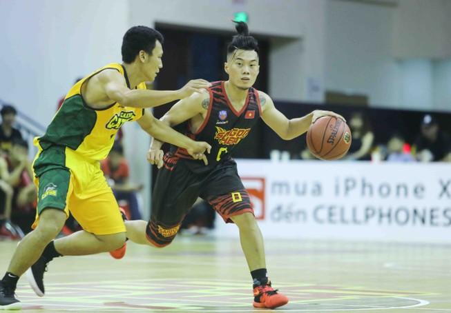 Saigon Heat mất ngôi sau thất bại trên sân nhà