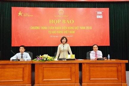 Thứ trưởng Bộ Công Thương Hồ Thị Kim Thoa chủ trì cuộc họp báo. Ảnh: T.P