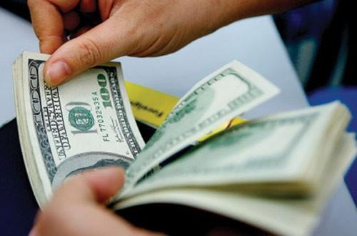NHNN quyết định giảm lãi suất tiền gửi USD