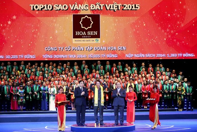 Phó thủ tướng trao giải thưởng Sao vàng đất Việt 2015