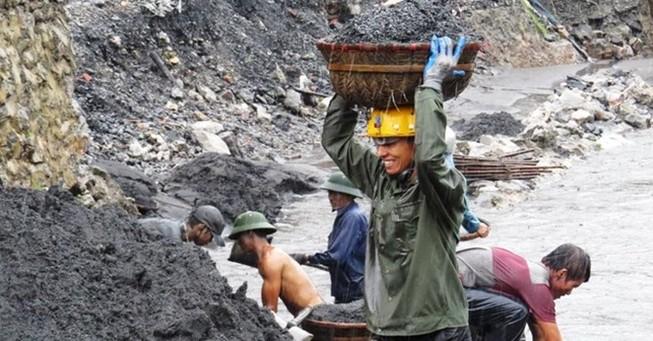 Thiệt hại do mưa lũ nhưng ngành than vẫn lãi 600 tỉ đồng
