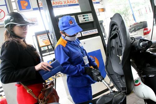 Bộ Công Thương lên tiếng về chênh lệch thuế xăng dầu