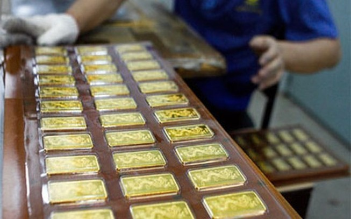 Giá vàng trong nước tăng mạnh theo thế giới