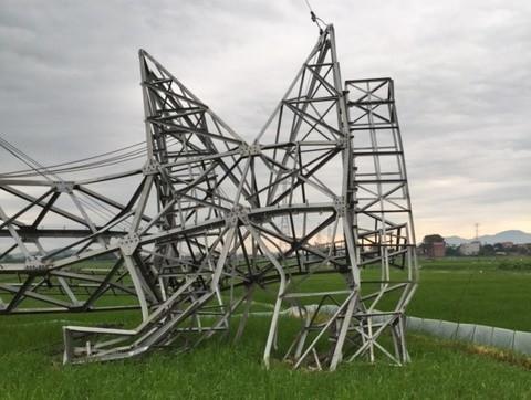 Bộ Xây dựng vào cuộc vụ cột điện 500 kV bị gãy