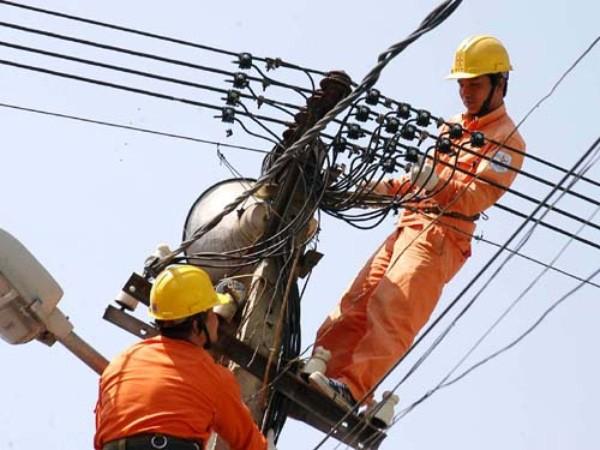 Giá bán buôn điện năm 2016 tăng 2%-5%