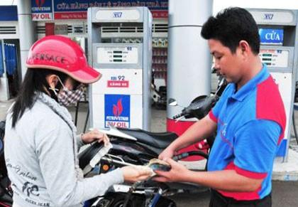 Bộ Tài chính giảm thuế nhập khẩu xăng dầu
