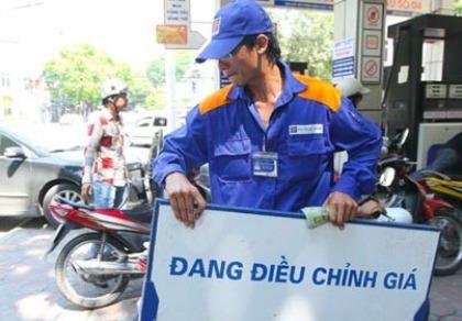 Giá xăng dầu đồng loạt tăng mạnh từ 15 giờ hôm nay