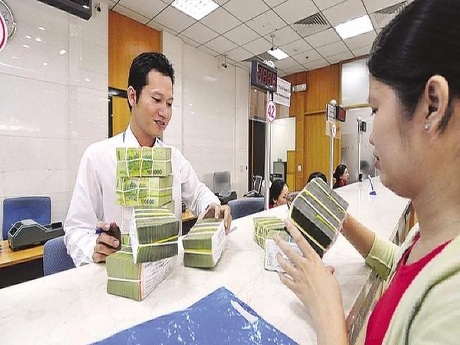 Các ngân hàng đồng loạt giảm lãi suất huy động