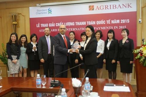 Agribank nhận giải Chất lượng thanh toán quốc tế năm 2015