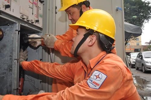 Hà Nội: nắng nóng kéo dài, tiêu thụ điện tăng mạnh