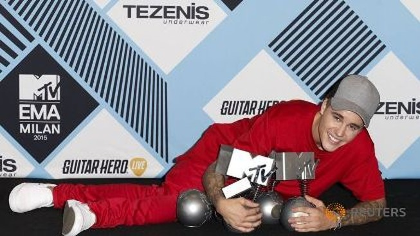 Justin Bieber thắng lớn tại giải MTV EMA 2015