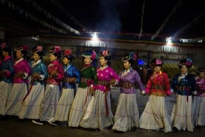 Vén màn bí ẩn 'nữ nhi quốc' cuối cùng của Trung Quốc