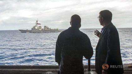 Tàu Trung Quốc nói gì với tàu Mỹ trong đợt tuần tra biển Đông