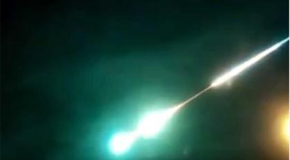 Dân Nga lại xôn xao với vật thể phát sáng bất thường trên bầu trời