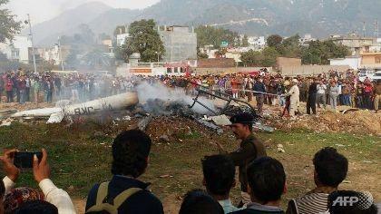 Rơi trực thăng ở Ấn Độ, 7 người chết