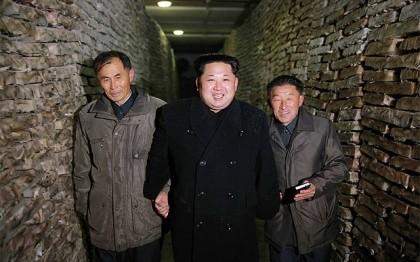 Kim Jong Un tậu xe limousine bọc thép của Đức