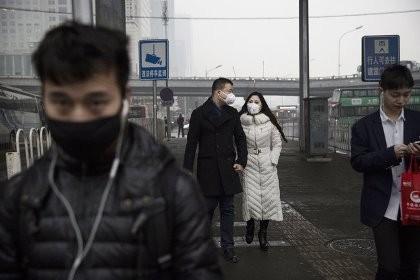 Bị ô nhiễm nặng nhưng khẩu trang Trung Quốc lại bị làm giả