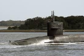 12 thuyền viên tàu ngầm Mỹ hầu tòa vì quay lén phụ nữ thay đồ