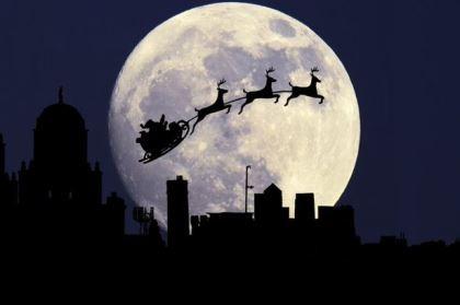 'Trăng lạnh' lần đầu sau 38 năm xuất hiện trong đêm Giáng sinh
