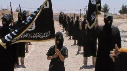 Thành viên IS tự tay hành quyết mẹ mình