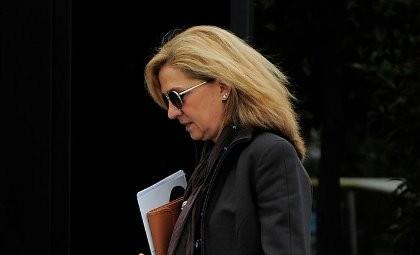Công chúa Tây Ban Nha hầu tòa vì cáo buộc trốn thuế