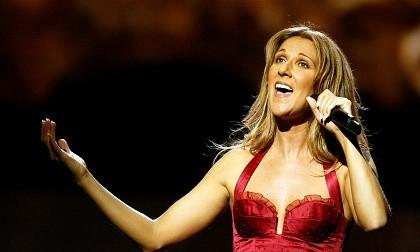 Danh ca Celine Dion cùng lúc mất cả chồng và anh trai