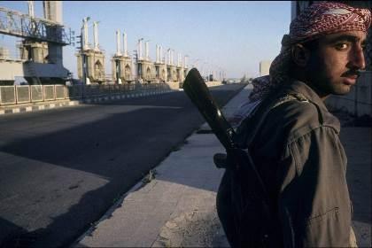 Mỹ không dám không kích IS vì sợ 'đại hồng thủy'